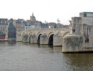 800px-Sint-Servaasbrug_Maastricht